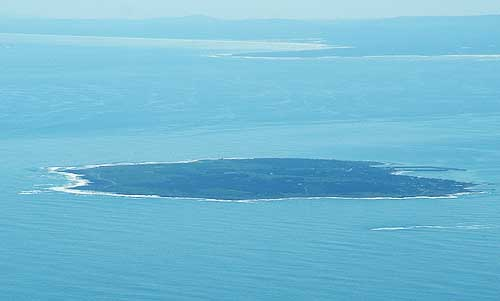 Table mountain natural wonder of the world - Robben island and table mountain tour ...