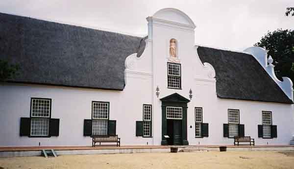 Cape dutch architecture in cape town for Cape dutch house plans